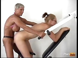 Muscular mature bitch fucked hard strapon fuck friend