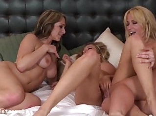Way Lesbians In Bed With Samantha Saint