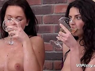 Piss Drinking Gorgeous girls guzzle down golden piss