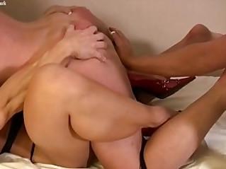 Naked Female Muscle Lesbian Threesome